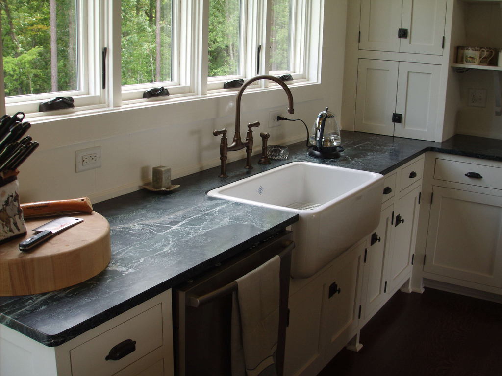 minas-duro-with-farm-style-sink
